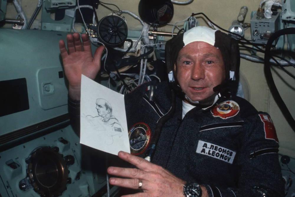 Скончался легендарный космонавт Алексей Леонов
