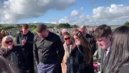 Покойный обратился к родственникам прямо из гроба, требуя его выпустить