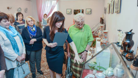 Китайский фарфор и японские вазы XVIII-XX веков представили на выставке в Гомеле
