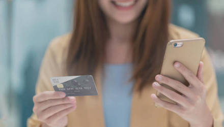 Журналист провела эксперимент: можно ли в Гомеле оплачивать все покупки только банковской картой или нужны наличные?