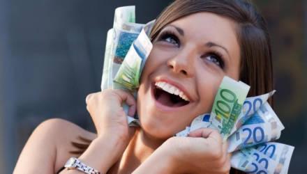 Павел Глоба назвал везунчиков ноября, которым деньги «свалятся» с неба