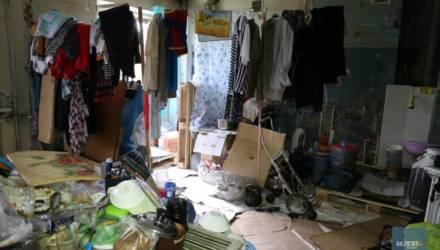 В Гомеле сын разрушил квартиру матери: нет ни стен, ни туалета, ни кухни