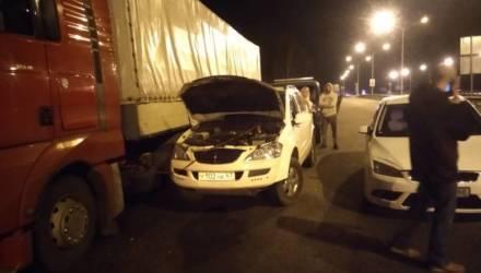 Своих не бросаем: как смоленские автомобилисты помогли гомельчанину-дальнобойщику