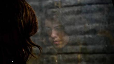 «Я просыпалась в пять утра от невыносимой тревоги». Крик души о том, как путают депрессию и обычную хандру