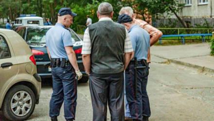 Пенсионеру, который в Светлогорске напал с ножом на соседа из-за котиков, дали 6 лет