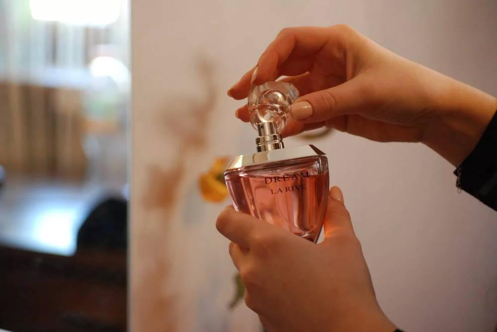 Как отличить настоящую парфюмерию от подделки