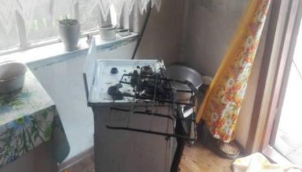В Речицком районе женщина опрокинула на себя сковороду с маслом и умерла