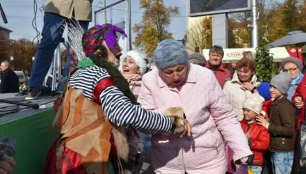 Осенняя ярмарка работает все выходные на площади Восстания в Гомеле