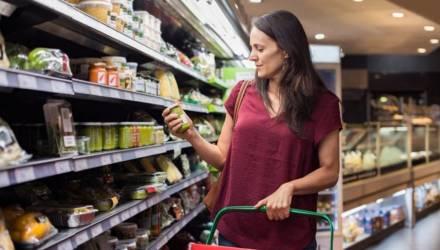 На Гомельщине магазины обманывают покупателей: обнаружены недовесы товаров