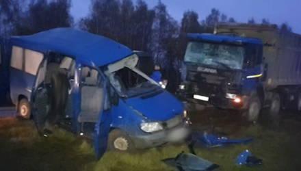 Четверо погибли, шестеро ранены: обнародованы первые фото ДТП с участием гомельской маршрутки под Калугой