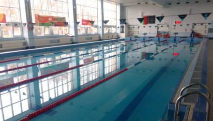 В Барановичах 13 детей попали в больницу из-за отравления хлором в бассейне: четверо находятся в состоянии средней степени тяжести