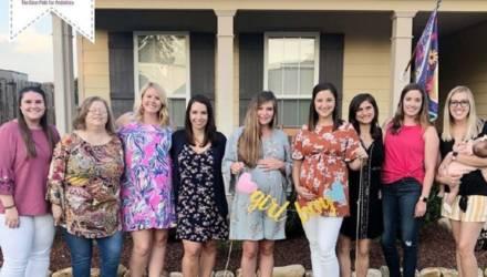 В клинике одновременно забеременели восемь девушек-врачей