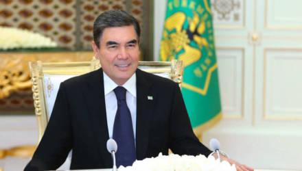 Президент Туркменистана подарил ударникам труда ими же купленные подарки