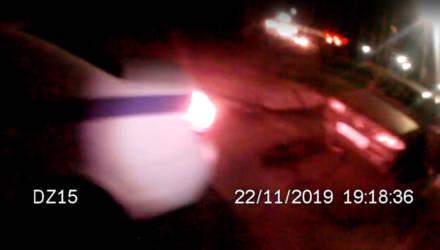 Под Гомелем сотрудники ГАИ оказали помощь автомобилисту, попавшему в трудную ситуацию на дороге