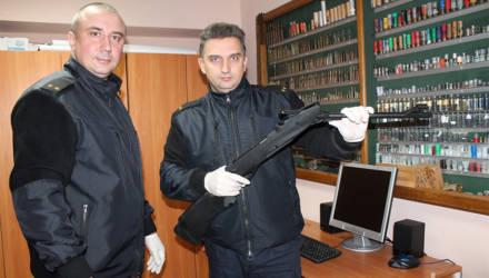 В Гомеле приверженец нацистских идей обстрелял из пистолета продуктовый магазин
