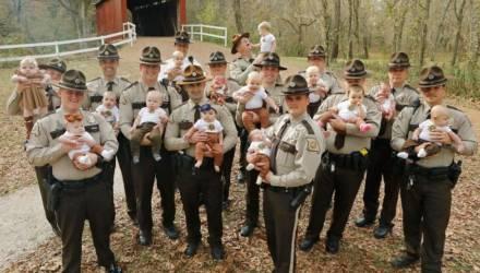 17 офицеров полиции стали отцами, узнав планы начальства