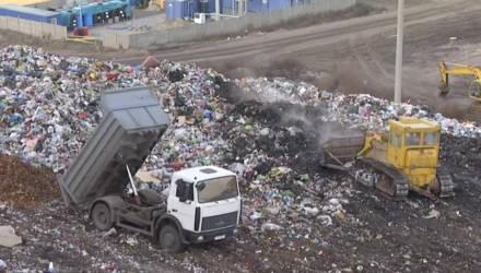 55 метров высоту. Самая большая мусорная свалка в Гомельской области продолжает расти