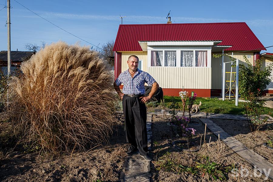 У маленькой деревушки в Жлобинском районе сложный рельеф, инициативные жители и собственный гимн