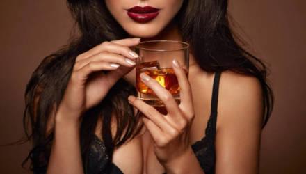 Учёные высчитали безопасную дозу алкоголя для мужчин и женщин
