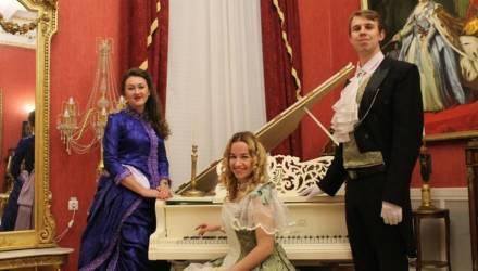 Экскурсия длиною в столетие: Гомельский дворцово-парковый ансамбль отпраздновал юбилей
