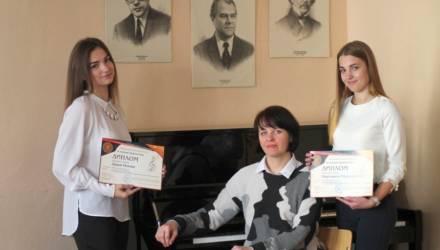 Они могли бы стать музами, но сочиняют музыку сами… Гомельчанки привезли из столицы дипломы в номинации «Композиторское творчество»
