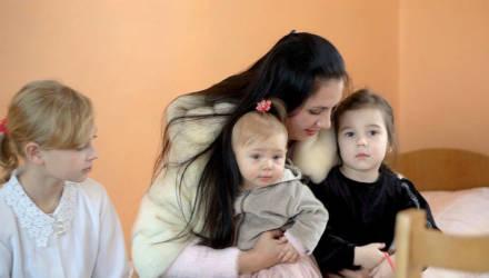 «Чужих детей не бывает!». Многодетная мама из Светлогорска помогла воспитанникам приюта
