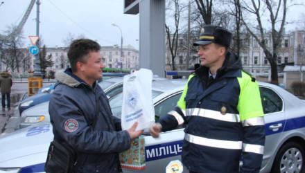 В Гомеле сотрудники ГАИ нашли и наградили водителя, который ни разу не нарушил ПДД, проехав по улицам города