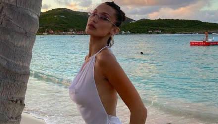 Самая красивая женщина в мире подтвердила свой статус, надев прозрачный топ