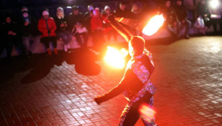 Предновогодний фестиваль огня и света прошёл в Речице