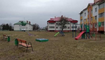 В канун Нового года в Гомельском районе открылись две детские площадки