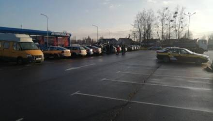 В Речице бастуют водители «Яндекс.Такси»: сервис уменьшил им бонусы