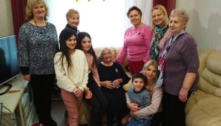 100-летний юбилей отметила гомельчанка Нина Савченко