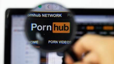 Глухой американец подал в суд на Pornhub из-за того, что не понимает, о чём говорят актёры