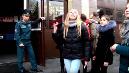 Гомельские спасатели креативно поздравили горожан с Новым годом – видео