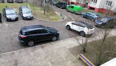 Geely SX11 появится на белорусском рынке в феврале, но кроссовер уже замечен на дорогах