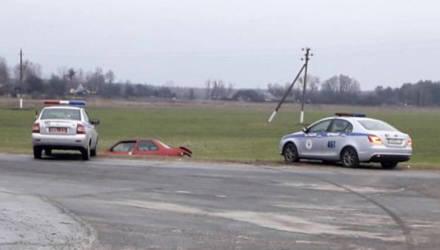 Житель Петриковского района на чужой машине скрывался от ГАИ и совершил ДТП