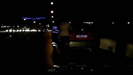 """В Гомеле сотрудники ГАИ оказали помощь автоледи на """"Матизе"""""""
