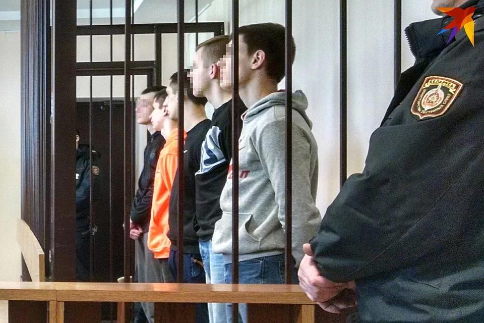 «Поддался на лёгкие деньги»: вчерашним подросткам дали от 4 до 7 лет за закладки в Речице