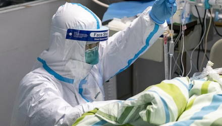 """""""Так выглядит коронавирус"""": видео с больным китайцем шокировало Сеть"""