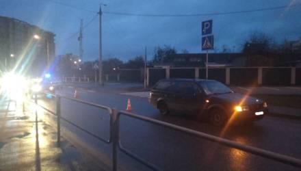 В Гомеле на пешеходном переходе сбили девушку