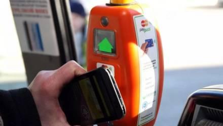 В Гомеле в феврале начнут тестировать оплату проезда в автобусах через смартфон