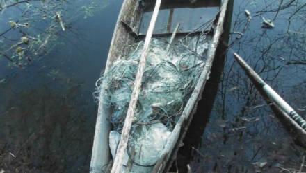 За то, что на Гомельщине незаконно охотился и ловил рыбу, мужчине грозит штраф и реальный срок