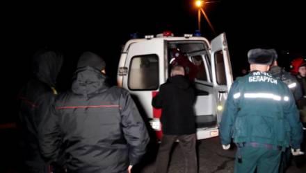 Пожар квартиры в Гомеле: работниками МЧС спасён хозяин, эвакуировано 5 человек, из них двое дети