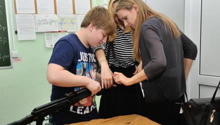 В белорусских школах появятся завучи по военно-патриотическому воспитанию