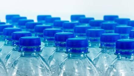 Власти придумали, как бороться с пластиковой тарой. Раскошелиться придется населению