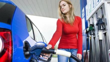 Топливо на АЗС Беларуси традиционно дорожает с 26 января