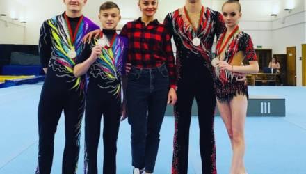 Гомельские акробаты завоевали шесть комплектов наград на республиканских соревнованиях в Витебске
