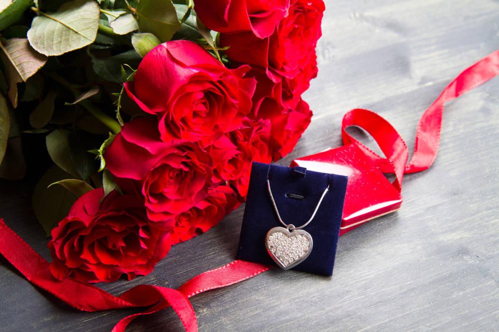 Влюбленным в Гомеле снизили цены на цветы