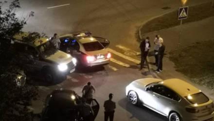 Дело гомельских подростков, которые похитили владелицу BMW X6 и вывезли в лес, передано в суд