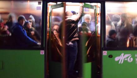 Не влезть или не сесть? Специалисты промониторили наполняемость гомельских автобусов, следующих в 94-й и 96-й микрорайоны